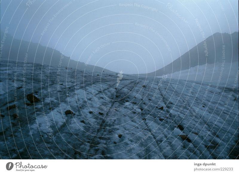 Gipfelsturm Ferien & Urlaub & Reisen Winter dunkel kalt Schnee Umwelt Freiheit Landschaft Berge u. Gebirge Wetter Eis Nebel Klima Frost Alpen Gipfel