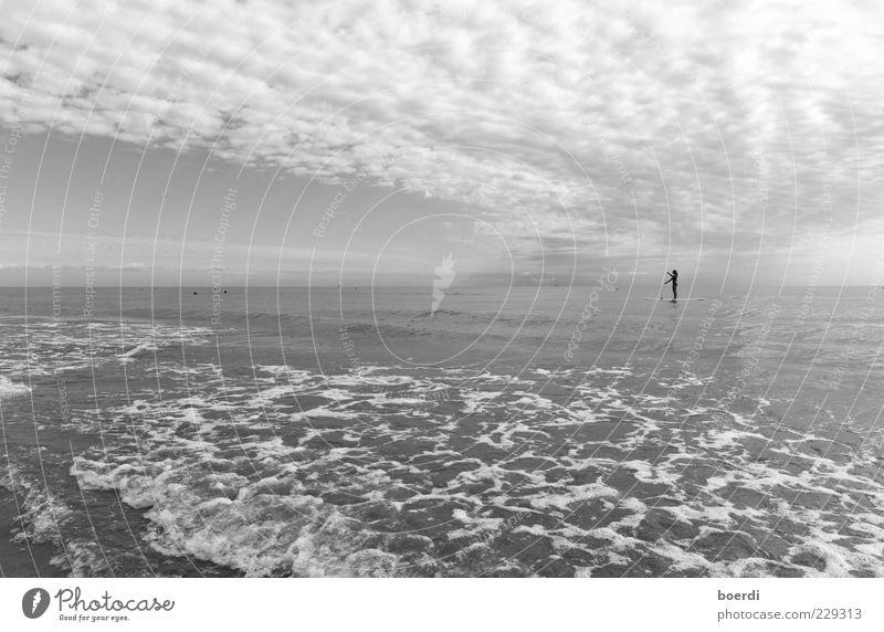 wAterworld Natur Ferien & Urlaub & Reisen Meer Sommer Wolken Ferne Erholung Freiheit grau Stimmung Horizont Wellen Zufriedenheit Freizeit & Hobby Abenteuer