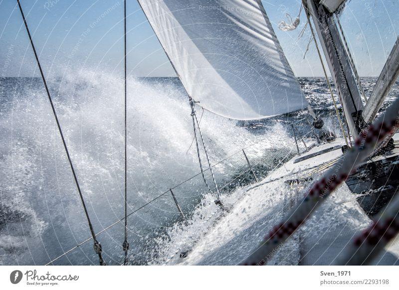 Sailing Ferien & Urlaub & Reisen Abenteuer Freiheit Wassersport Segeln Wassertropfen Wind Wellen Ostsee Bootsfahrt Segelboot An Bord maritim Lebensfreude Kraft