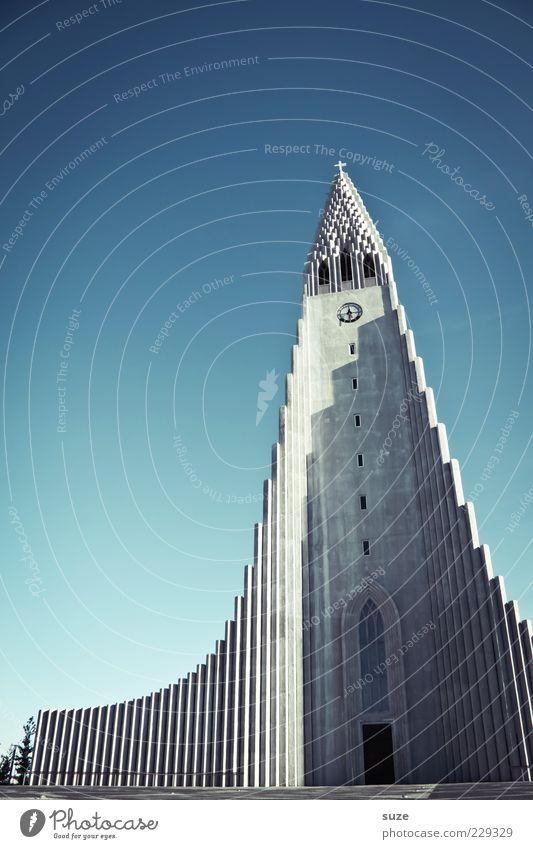 Hallgrímskirkja Himmel blau Architektur Religion & Glaube Gebäude modern außergewöhnlich Kirche Spitze Bauwerk Denkmal Island heilig Neigung
