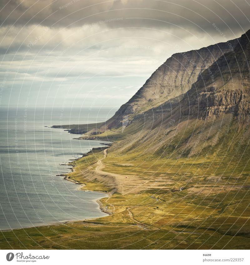 Höhenpunkt Himmel Natur grün Meer Ferien & Urlaub & Reisen Wolken Umwelt Landschaft Berge u. Gebirge Wege & Pfade Küste Wetter Tourismus Klima außergewöhnlich