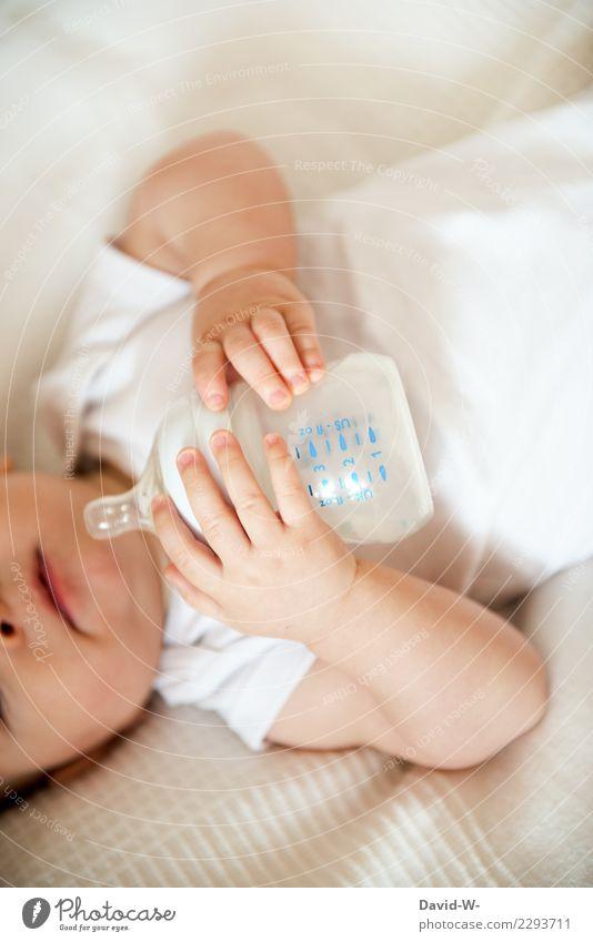 jetzt ein Fläschen Lebensmittel Getränk trinken Trinkwasser Milch Glück schön Gesundheit Gesundheitswesen Wohlgefühl Zufriedenheit ruhig Wohnung Mensch Kind