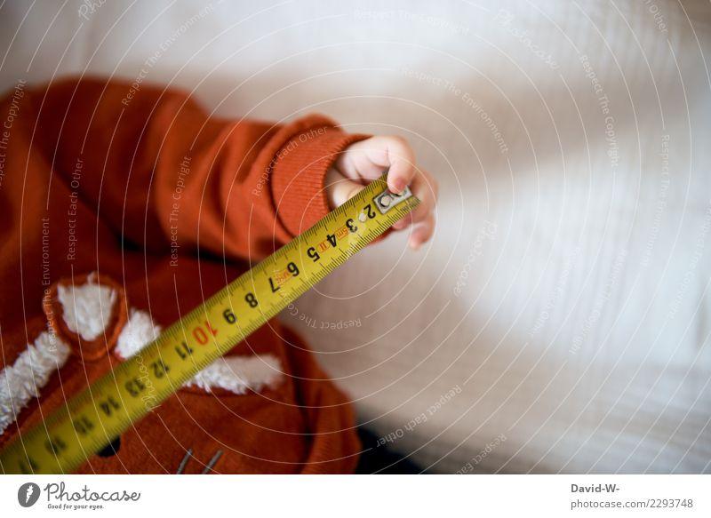 Größe ermitteln Kind Mensch Hand Freude Erwachsene Leben Gesundheit Gesundheitswesen elegant Kindheit Baby Finger Fitness niedlich beobachten berühren
