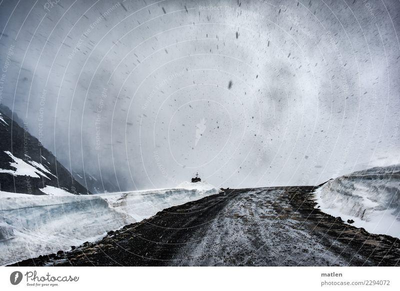 Kreuzfahrt Landschaft Urelemente Himmel Wolken Frühling schlechtes Wetter Sturm Nebel Schnee Schneefall Felsen Berge u. Gebirge Verkehrswege Autofahren dunkel
