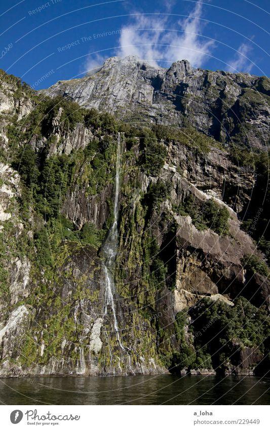 water falls* Himmel Natur Wasser blau grün Baum Pflanze Ferien & Urlaub & Reisen Wolken Berge u. Gebirge Luft Felsen hoch einzigartig Urelemente Reisefotografie