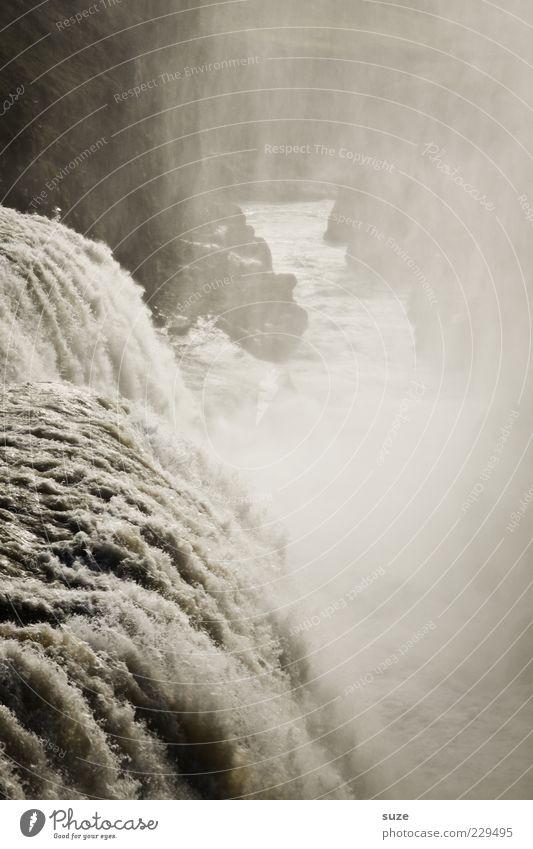 Ablauf Umwelt Natur Urelemente Wasser Klima Nebel Felsen Schlucht Fluss Wasserfall außergewöhnlich dunkel gigantisch einzigartig wild Dunst Gullfoss Gischt