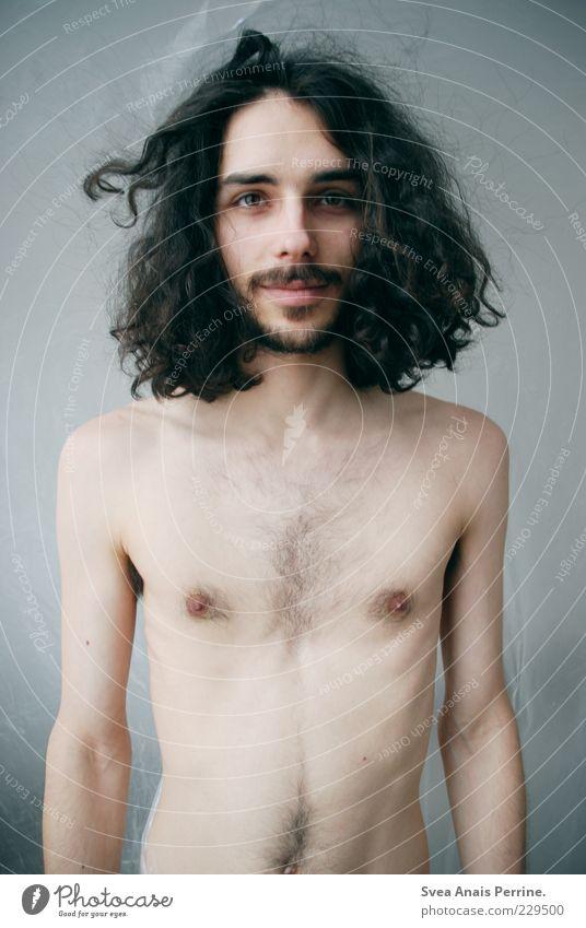 hey girl. Junger Mann Jugendliche Körper Haut Brust Bauch 1 Mensch 18-30 Jahre Erwachsene Haare & Frisuren schwarzhaarig langhaarig Locken stehen dünn schön