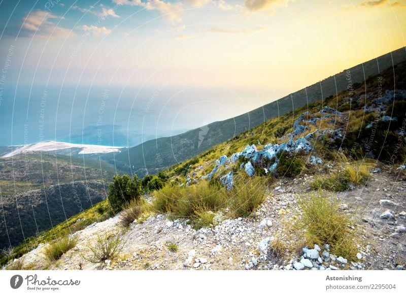 am Llogara-Pass Umwelt Natur Landschaft Wasser Himmel Wolken Horizont Sonne Sonnenaufgang Sonnenuntergang Sommer Wetter Pflanze Gras Sträucher Felsen