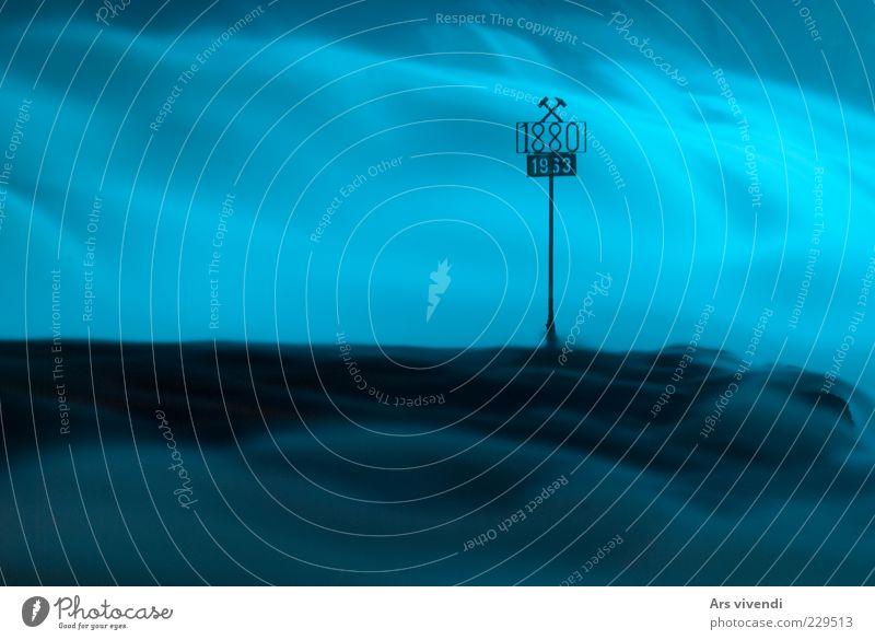 Waberndes Wasser Natur Wasser blau ruhig kalt Umwelt Landschaft Wellen Schilder & Markierungen nass wild Geschwindigkeit Urelemente Ziffern & Zahlen Sauberkeit Schweiz