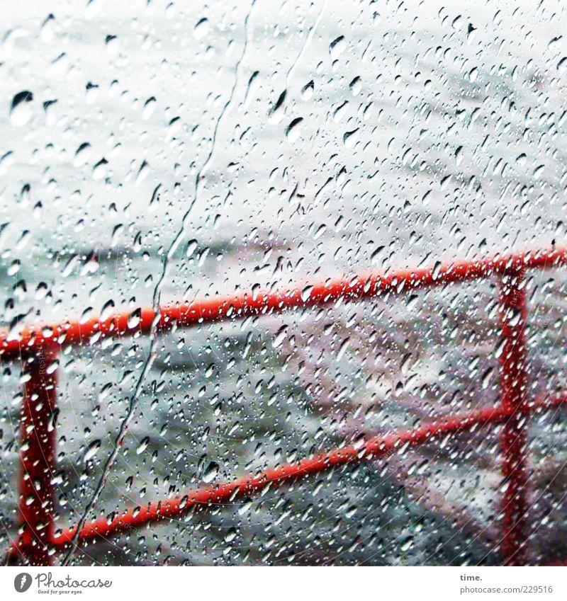HH08 | Gemütlich im Diesseits Wasser blau rot Bewegung Traurigkeit Regen Wetter Wasserfahrzeug nass Wassertropfen Sicherheit bedrohlich Konzentration Sturm Geländer Regenwasser