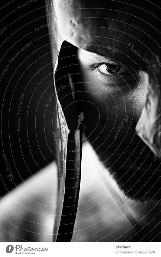 THIS IS PHOTOCASE! Mann Erwachsene Auge dunkel Kraft warten maskulin bedrohlich Symbole & Metaphern Wut historisch Bart Aggression Helm eckig rebellisch