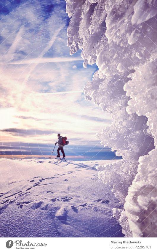 Himmel Natur Ferien & Urlaub & Reisen Landschaft Winter Berge u. Gebirge Schnee Tourismus Abenteuer Klima Frost Jahreszeiten Skier Expedition anstrengen Wildnis