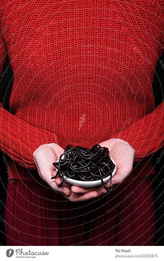 Penne Liquirizia II Mensch Jugendliche Junge Frau schön rot schwarz Leben Lifestyle Gesundheit feminin Stil Kunst Lebensmittel Mode Design Ernährung