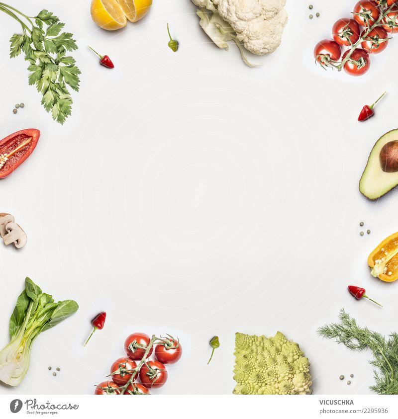 Salat Gemüse Rahmen auf weißem Hintergrund Lebensmittel Salatbeilage Bioprodukte Vegetarische Ernährung Diät Stil Design Gesundheit Gesunde Ernährung Restaurant