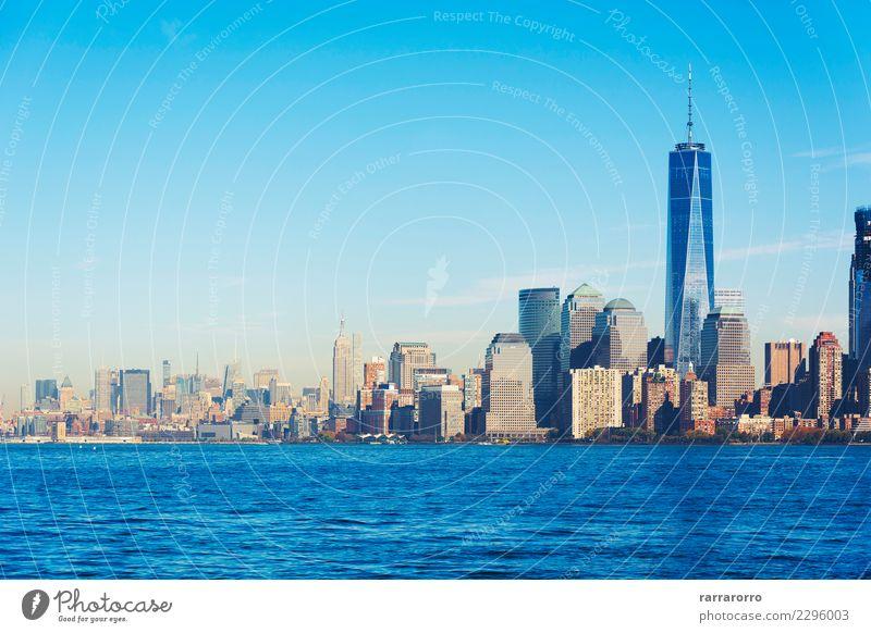 New York Landschaft Skyline von Liberty Island angesehen Ferien & Urlaub & Reisen Tourismus Büro Business Himmel Fluss Stadt Stadtzentrum Hochhaus Gebäude