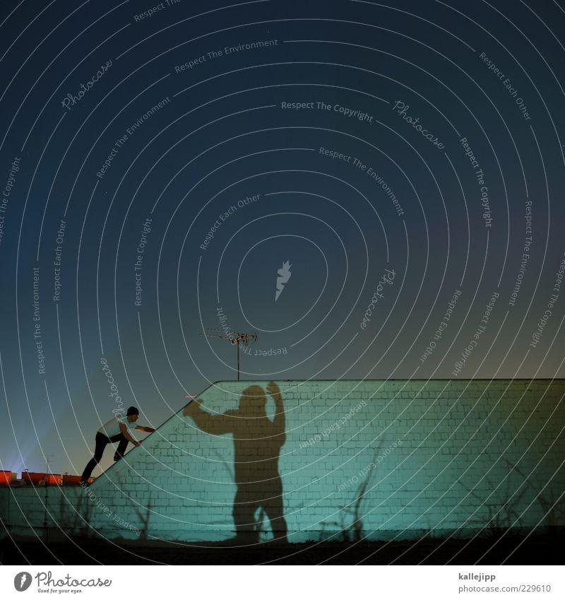 abendprogramm Mensch maskulin Mann Erwachsene 1 Mauer Wand Tier Wildtier krabbeln King Kong Affen Klettern Le Parkour Antenne Filmindustrie Spannung bedrohlich