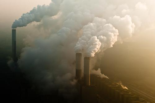 sauerei Himmel Natur Landschaft Wolken Umwelt Wetter Luft Kraft Energie Klima bedrohlich nachhaltig Klimawandel Umweltverschmutzung schlechtes Wetter