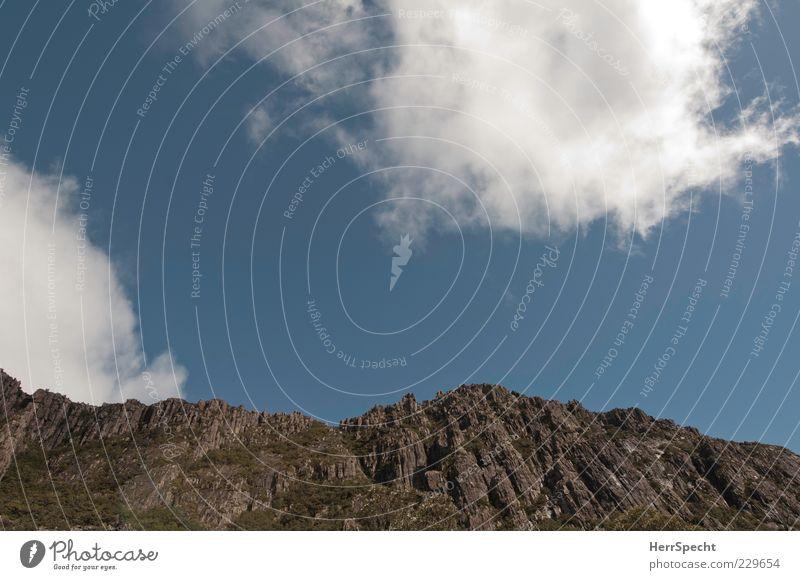 Blick nach oben in Down Under Himmel Natur blau weiß Sommer Wolken ruhig Einsamkeit Ferne Umwelt Landschaft Berge u. Gebirge grau Felsen ästhetisch