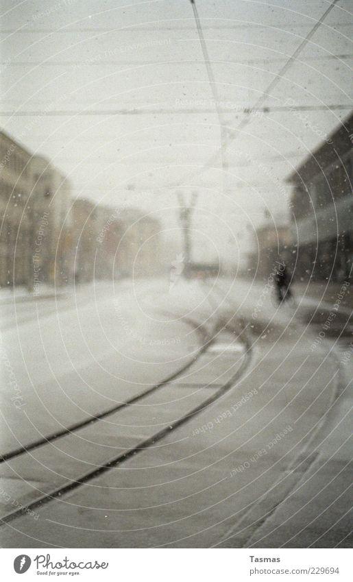 Silent Snow Winter Wolken ruhig kalt Schnee grau Schneefall Fahrrad Coolness Gleise Unwetter Bahnhof Fahrradfahren schlechtes Wetter Oberleitung Bahnfahren