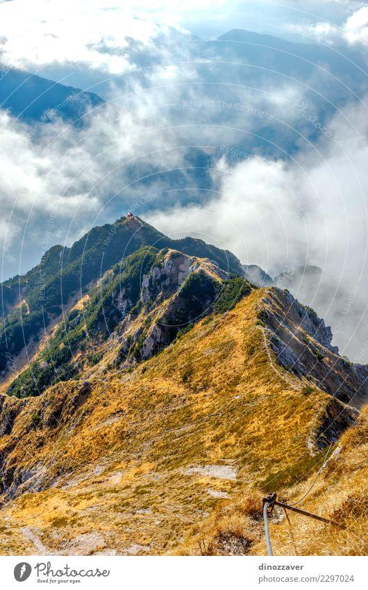 Via Ferrata über dem Wolkenmeer, den Alpen Freude Ferien & Urlaub & Reisen Abenteuer Sommer Berge u. Gebirge wandern Sport Klettern Bergsteigen Seil Natur