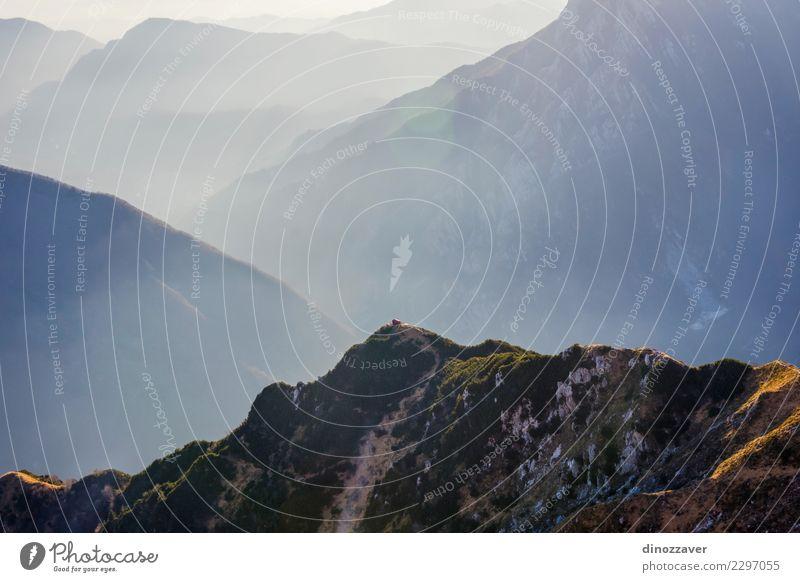 Natur Ferien & Urlaub & Reisen Landschaft Wolken Freude Berge u. Gebirge Wege & Pfade Sport Stein Felsen wandern Aktion Abenteuer Italien Seil Schutz