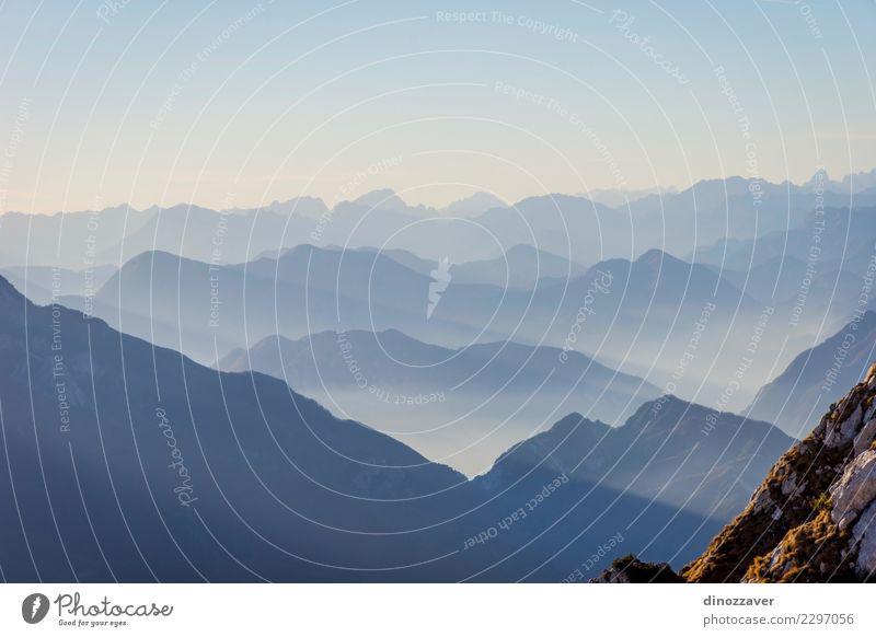 Blick über die Alpen im Herbst, Freude Ferien & Urlaub & Reisen Abenteuer Berge u. Gebirge wandern Sport Klettern Bergsteigen Seil Natur Landschaft Wolken