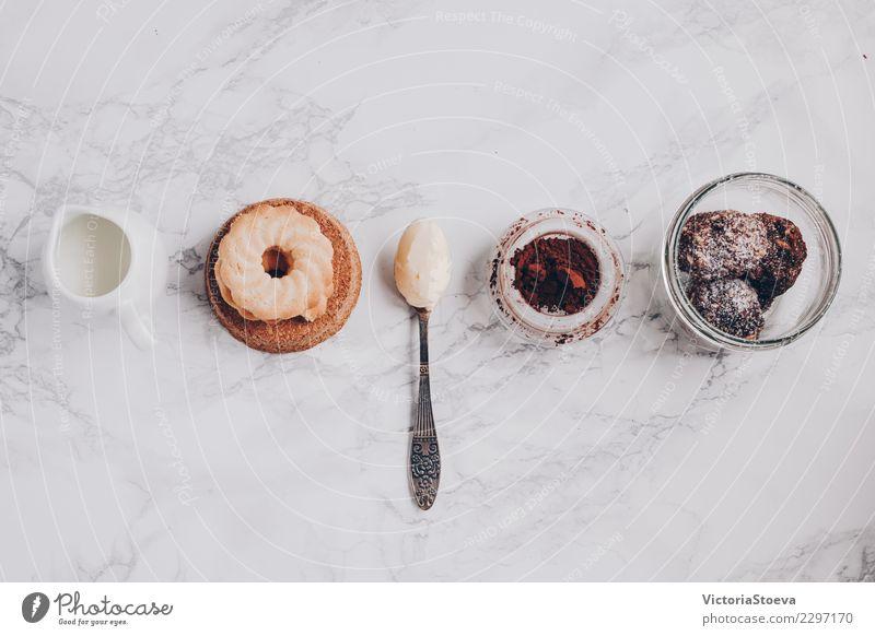 Draufsicht von Produkten zu kochen schön weiß Essen Lifestyle Holz Stil Lebensmittel braun Design Ernährung frisch Aussicht Tisch Reinigen Küche trinken