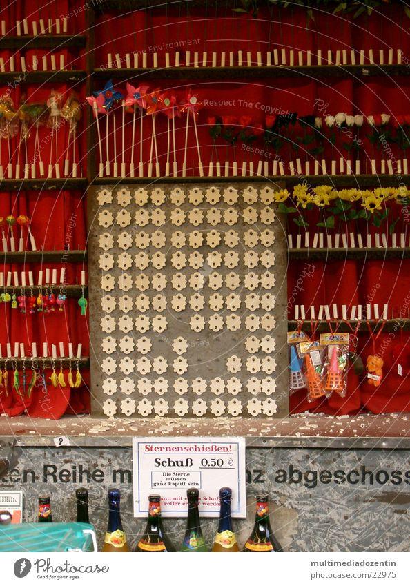 Treff-genau schießen Schießbude Jahrmarkt Attraktion Rose Blume Treffer Zielscheibe zielen ankern Visier Bildart & Bildgenre Brand Photo-Shooting üben Fairness