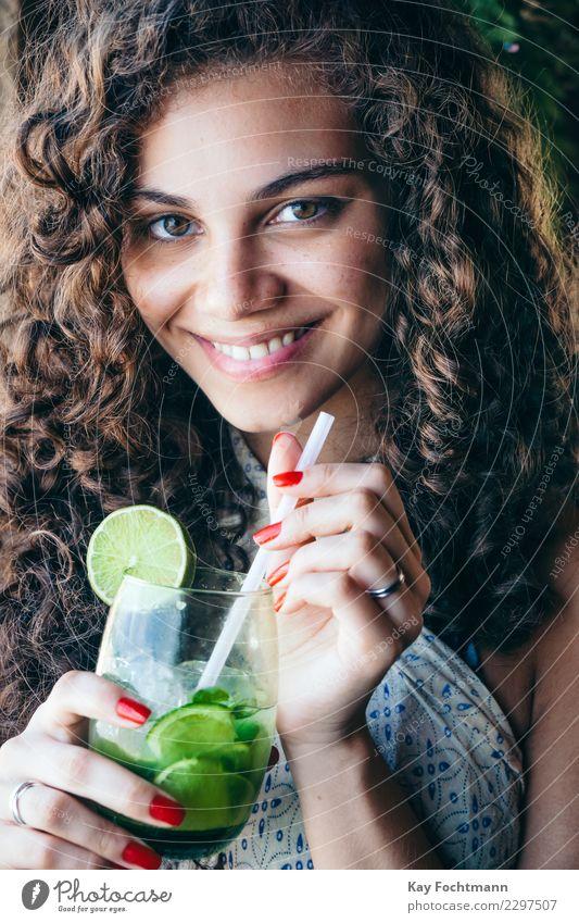 ° Mensch Ferien & Urlaub & Reisen Jugendliche Junge Frau schön 18-30 Jahre Gesicht Erwachsene Leben Lifestyle feminin Stil Glück Haare & Frisuren Zufriedenheit