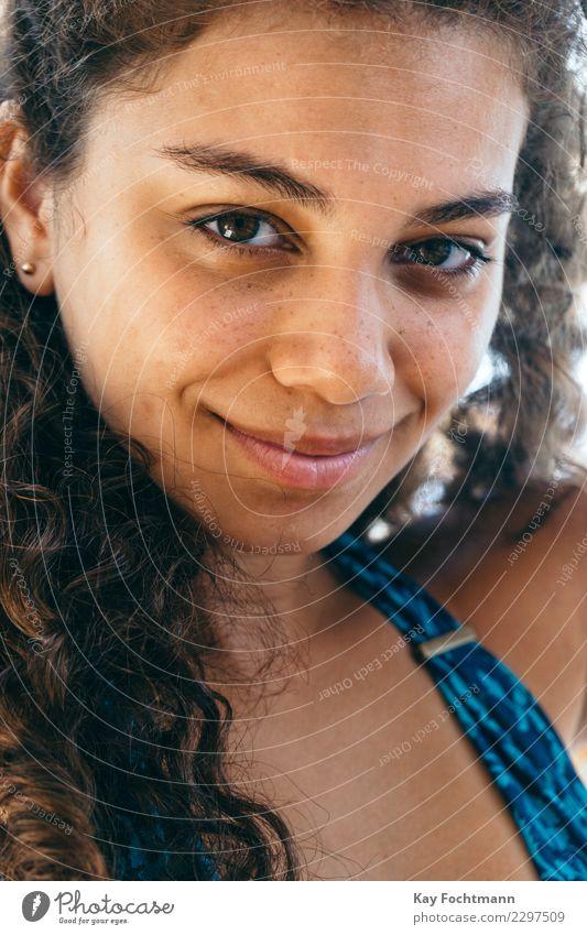 Portrait einer jungen Brasilianerin exotisch schön Haut Gesicht Wellness harmonisch Wohlgefühl Zufriedenheit Erholung Ferien & Urlaub & Reisen Sommer Mensch