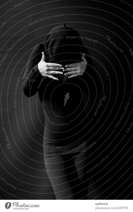 Anonym Mensch Jugendliche ruhig schwarz Einsamkeit Leben dunkel Stil Angst elegant ästhetisch Lifestyle Sicherheit bedrohlich Schutz geheimnisvoll