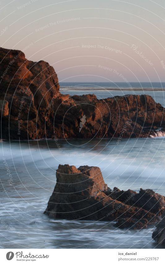 Ein warmer Sommerabend - California Natur Wasser blau schön Meer ruhig Ferne grau Küste Wellen Zufriedenheit Felsen ästhetisch Romantik Urelemente