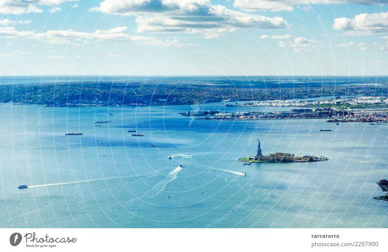 Panoramablick auf die Upper Bay in New York Ferien & Urlaub & Reisen Tourismus Meer Insel Güterverkehr & Logistik Natur Landschaft Himmel Horizont Küste Fluss