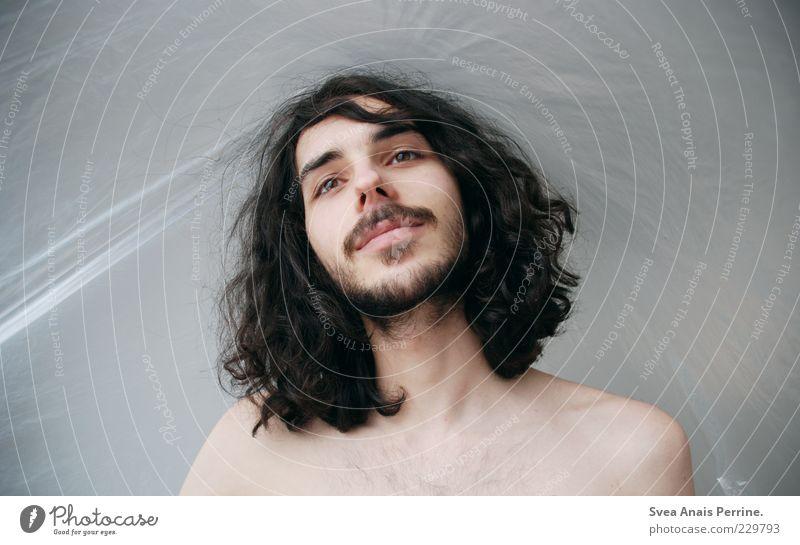 Katzenjammer. Mensch Jugendliche schön Erwachsene Gesicht nackt Haare & Frisuren lachen Zufriedenheit maskulin 18-30 Jahre dünn Lächeln Bart Locken