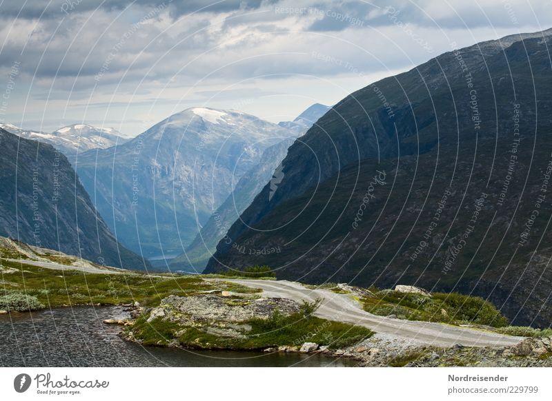 don´t drink and drive Ferne Berge u. Gebirge Natur Landschaft Urelemente Himmel Wolken Klima Schneebedeckte Gipfel See Straße gigantisch Stimmung Norwegen