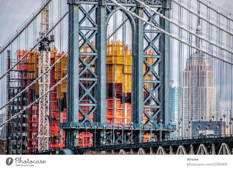 Streben Ferien & Urlaub & Reisen Sightseeing Städtereise Manhattan Bridge Stadt Skyline Hochhaus Brücke Baustelle Sehenswürdigkeit Drahtseil Hängebrücke Kran