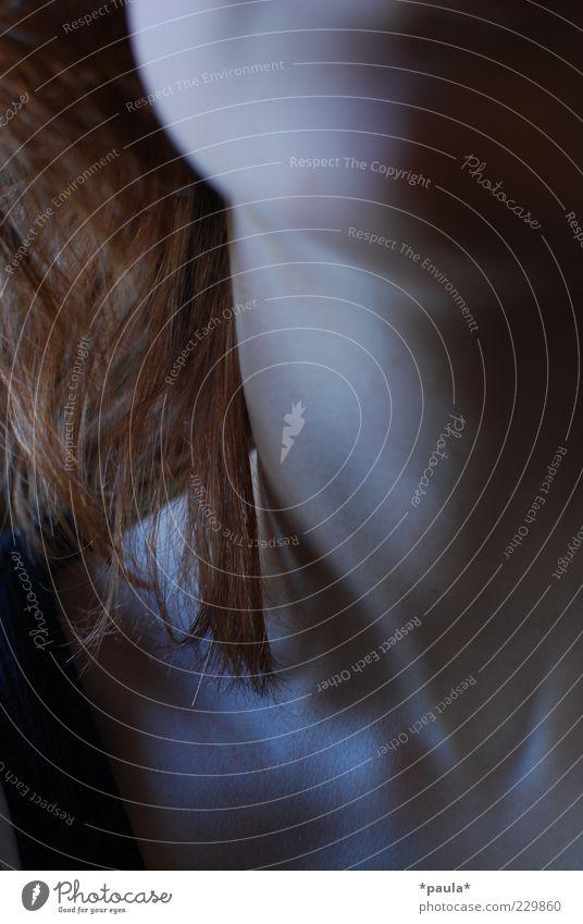 . Mensch Jugendliche schön rot schwarz feminin dunkel Gefühle grau Haare & Frisuren träumen Körper Haut ästhetisch beobachten nah