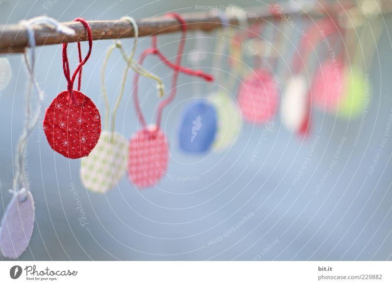 Osterbastelei ruhig Ostern Dekoration & Verzierung Schleife Kitsch Krimskrams Sammlung Zeichen Schnur Knoten hängen rund Stoff Stoffmuster Stock Ast Osterei