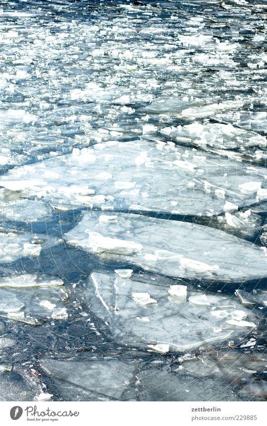 Eis Natur Wasser Winter See Eis Wetter Klima Frost Urelemente Fluss Teile u. Stücke Im Wasser treiben gebrochen Teich Bach Klimawandel