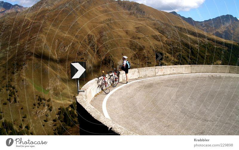Serpentine Mensch Ferien & Urlaub & Reisen Sommer Erwachsene Erholung Landschaft Ferne Straße Berge u. Gebirge Sport Fahrrad Freizeit & Hobby Tourismus