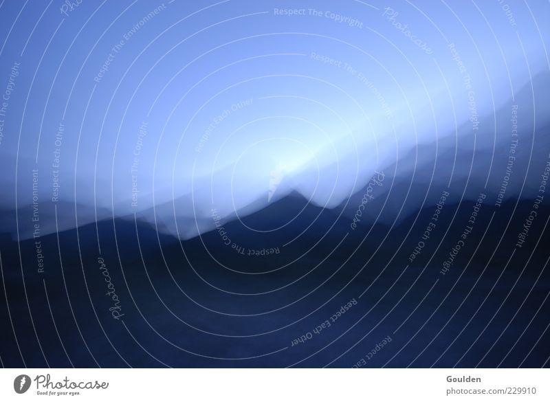 Föhn Natur blau ruhig Ferne kalt Landschaft Berge u. Gebirge Bewegung Luft Wetter Kraft Wind Felsen Nebel ästhetisch Alpen