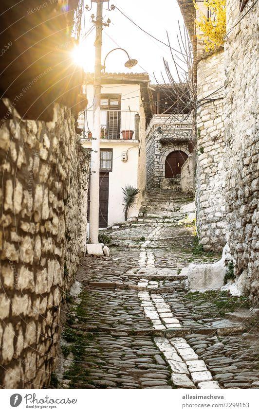 Unesco-Objekt Albanien Himmel Ferien & Urlaub & Reisen alt Stadt Landschaft weiß Haus Berge u. Gebirge Architektur Religion & Glaube Gebäude Tourismus Erde
