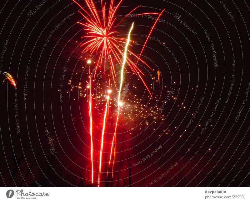 Feuerwerkspracht Silvester u. Neujahr Langzeitbelichtung Nacht Licht Feste & Feiern Reaktionen u. Effekte