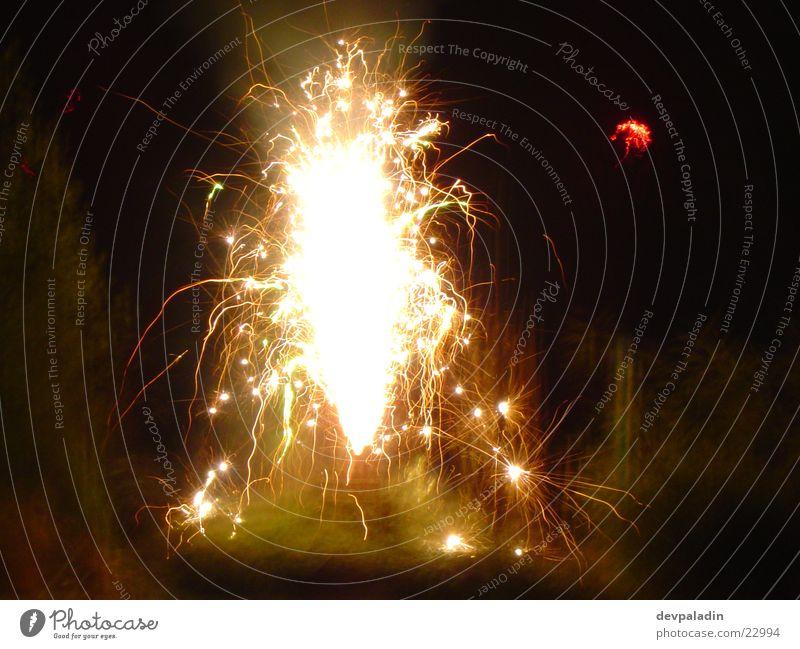 Sprühfeuerwerk #1 Silvester u. Neujahr Langzeitbelichtung Nacht Licht Feuerwerk Feste & Feiern Reaktionen u. Effekte