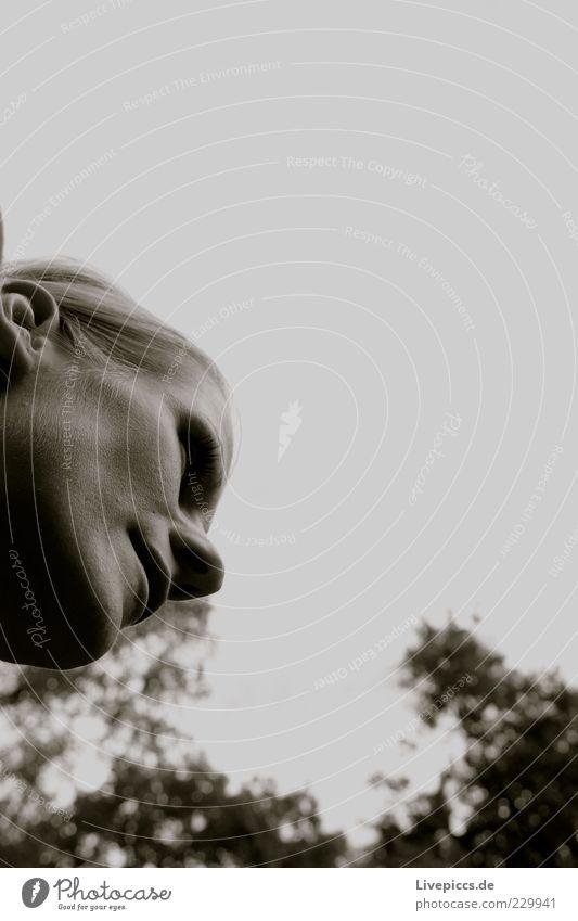 Clothilde Frau Mensch Himmel Jugendliche Freude Erwachsene Gesicht feminin blond Nase authentisch 18-30 Jahre Freundlichkeit langhaarig Scheitel Nasenloch
