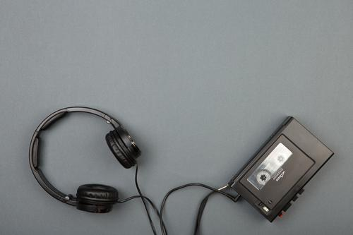 Retro Kassettenspieler mit Kopfhörern alt schwarz Stil Spielen Felsen Freizeit & Hobby retro Musik Technik & Technologie Telefon hören Schreibtisch Klang