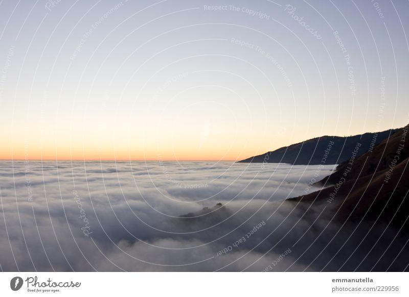 Wolken über der Oregon Coast Himmel Natur Sonne Sommer Ferne Umwelt Landschaft Herbst Berge u. Gebirge Gefühle Luft Stimmung Horizont Erde Wetter