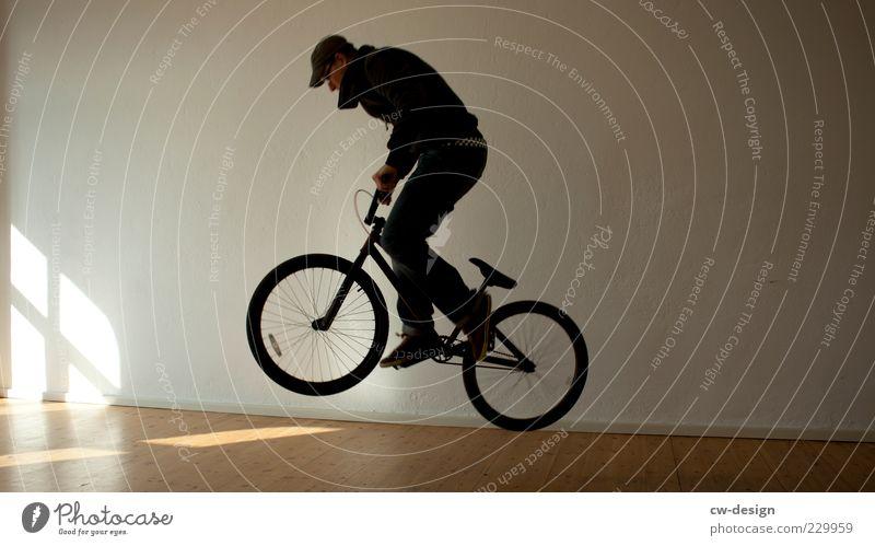 666 - DEKADENZ Mensch Jugendliche Freude Erwachsene Sport Wand springen Junger Mann Raum Wohnung Fahrrad fliegen Freizeit & Hobby elegant maskulin Lifestyle