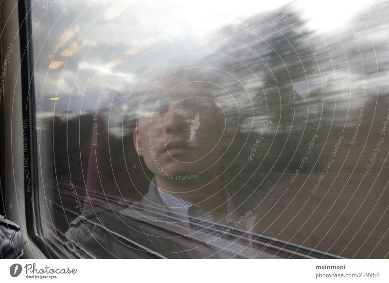 Gedanken-Express maskulin Mann Erwachsene Kopf 1 Mensch Großbritannien Verkehrsmittel Personenverkehr Öffentlicher Personennahverkehr Bahnfahren Schienenverkehr