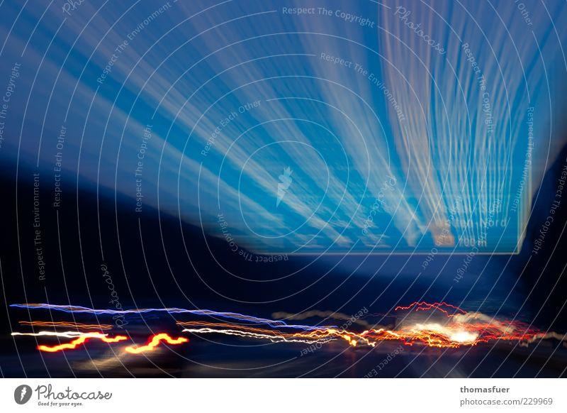 WARP mit E10 blau Straße Schilder & Markierungen Verkehr Geschwindigkeit verrückt gefährlich fahren Güterverkehr & Logistik Autobahn Verkehrswege trashig bizarr Autofahren Surrealismus Scheinwerfer